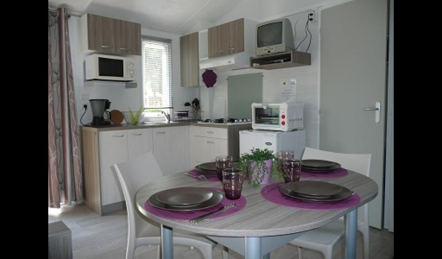 Domaine de la Nature mobile home int < Presles et Boves < Aisne